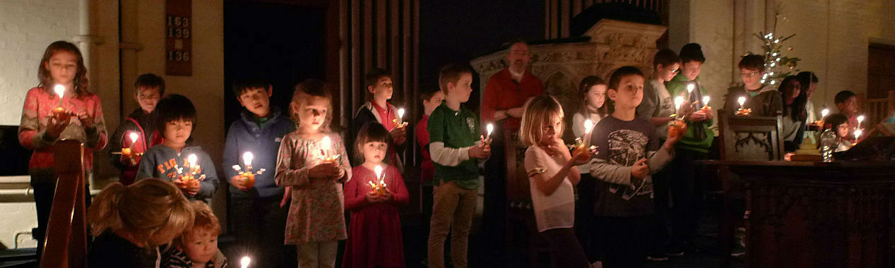 Christingle service in church 2014 children with candles